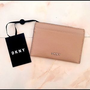 dkny 'bryant' light brown leather card holder